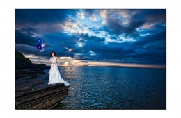Bride Carina in the West End Bundoran with balloons