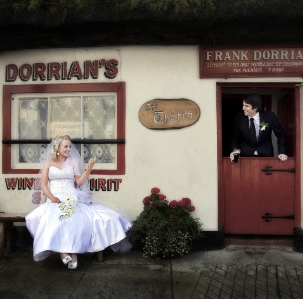 bride and groom outside dorrians thatch pub ballyshannon
