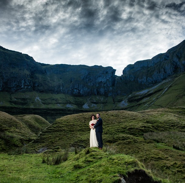 sligo wedding photographer couple at the gleniff horseshoe scenic drive