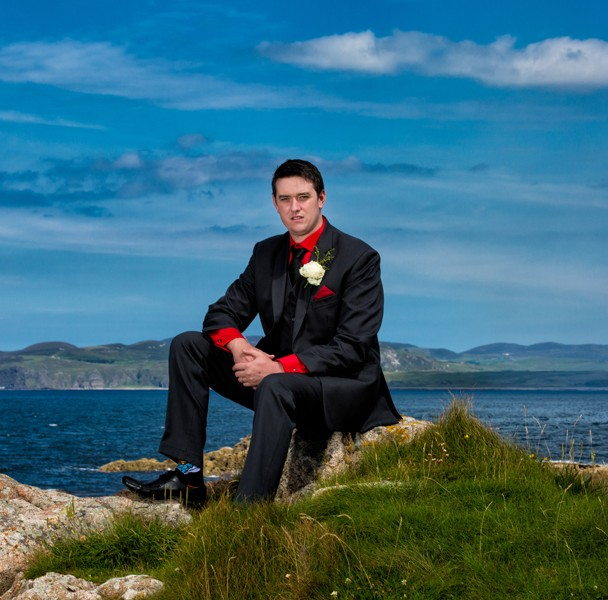 donegal wedding photography groom on the coast in clonmany