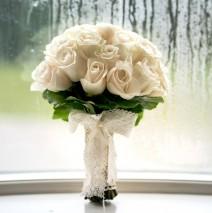 wedding bouquet at solis lough eske castle