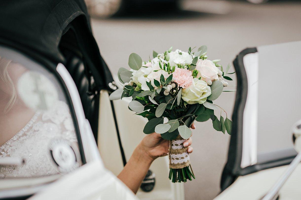 Waterfront Hotel Dungloe Wedding brides flowers