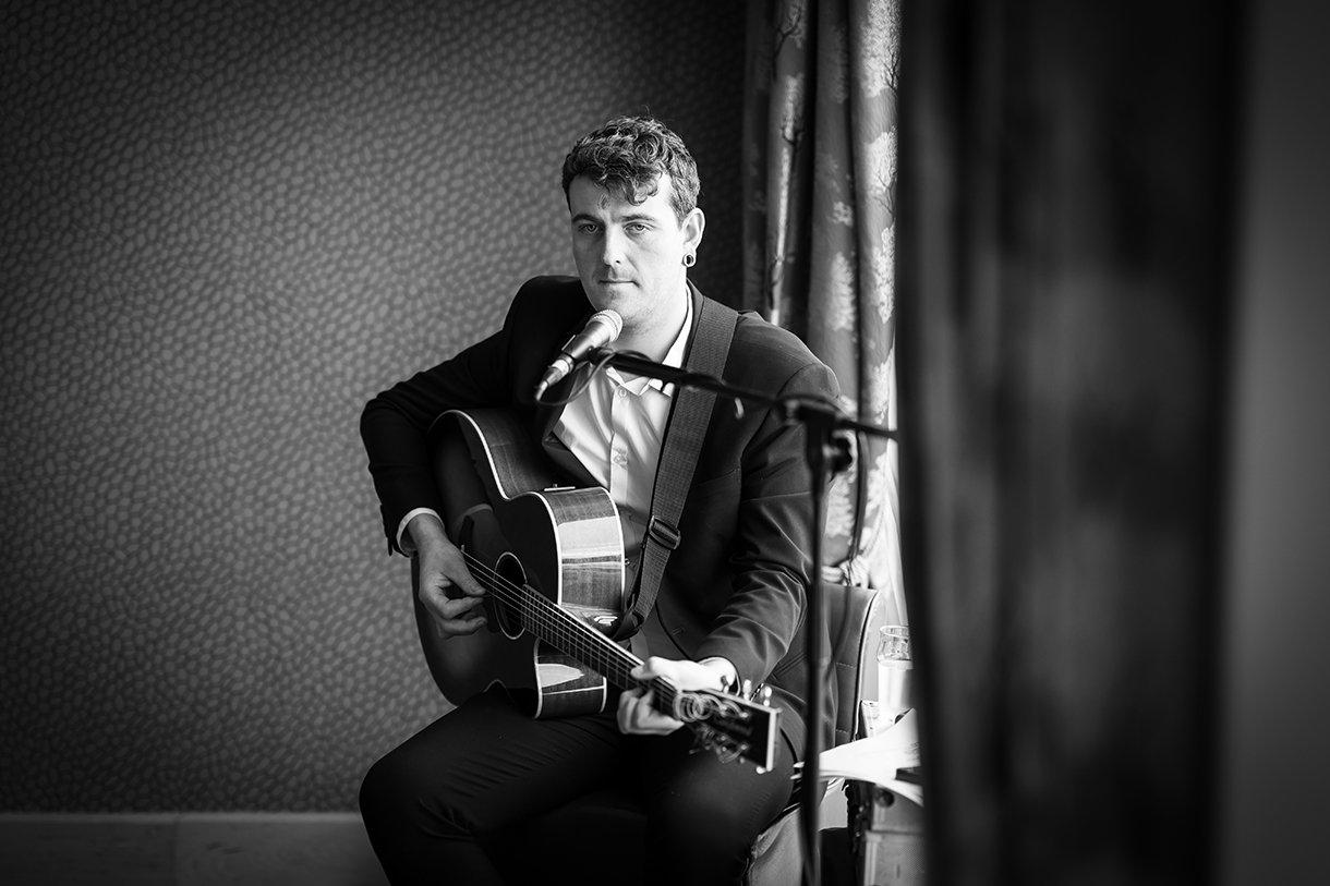 Allingham Hotel Bundoran Wedding gary doherty music