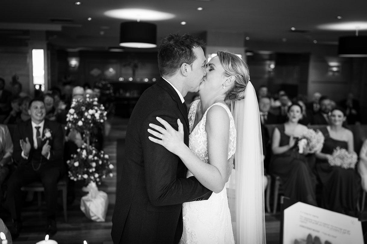 Allingham Hotel Bundoran Wedding first kiss