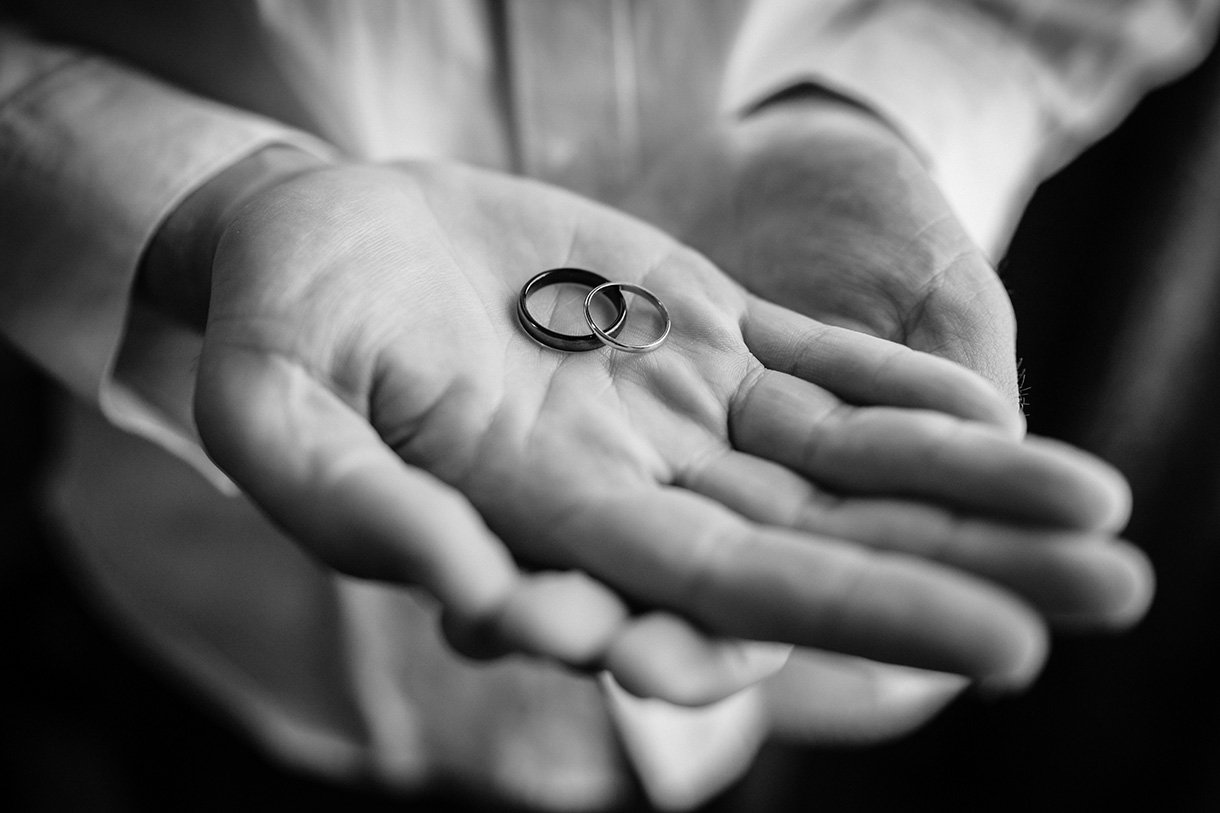 An Chuirt Hotel Weddings the wedding rings