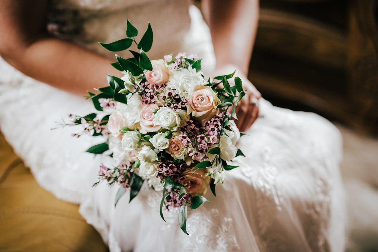 Sandhouse Hotel Rossnowlagh Wedding brides bouquet