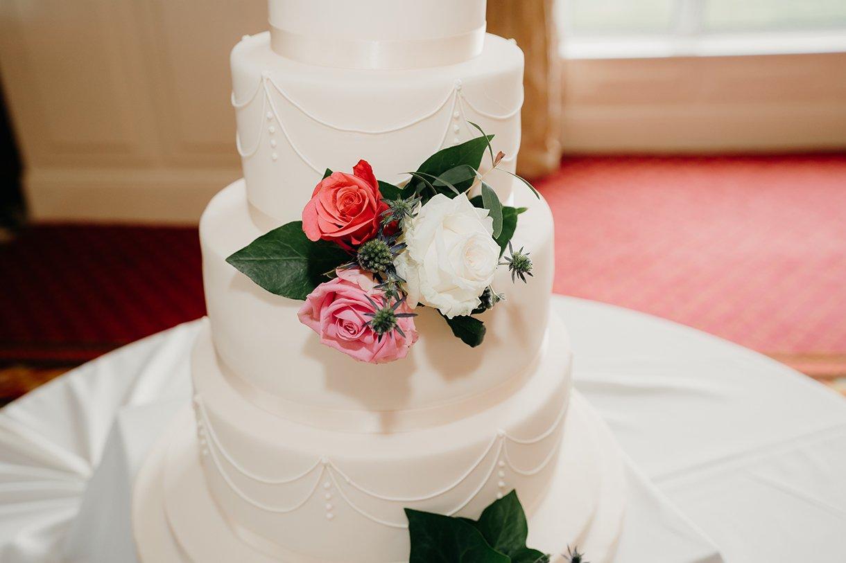 Great Northern Hotel Bundoran Summer Wedding wedding cake