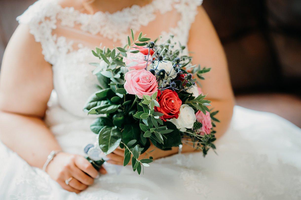 Great Northern Hotel Bundoran Summer Wedding brides beautiful flowers